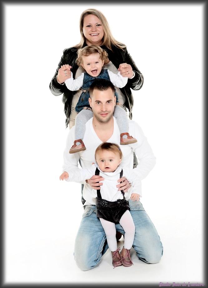 #seance photo de famille  #seance photo en famille  #shooting photo de famille  http://www.photosfashion.com/seance-photo-famille.html