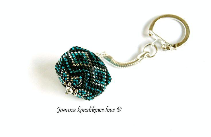 Peyote pendant beade beads