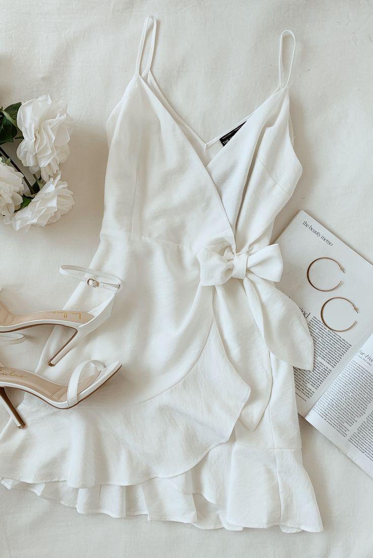 Soulmate Ivory – Wickelkleid mit Rüschen