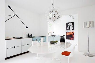 Minimalist kitchen by CPH SQUARE