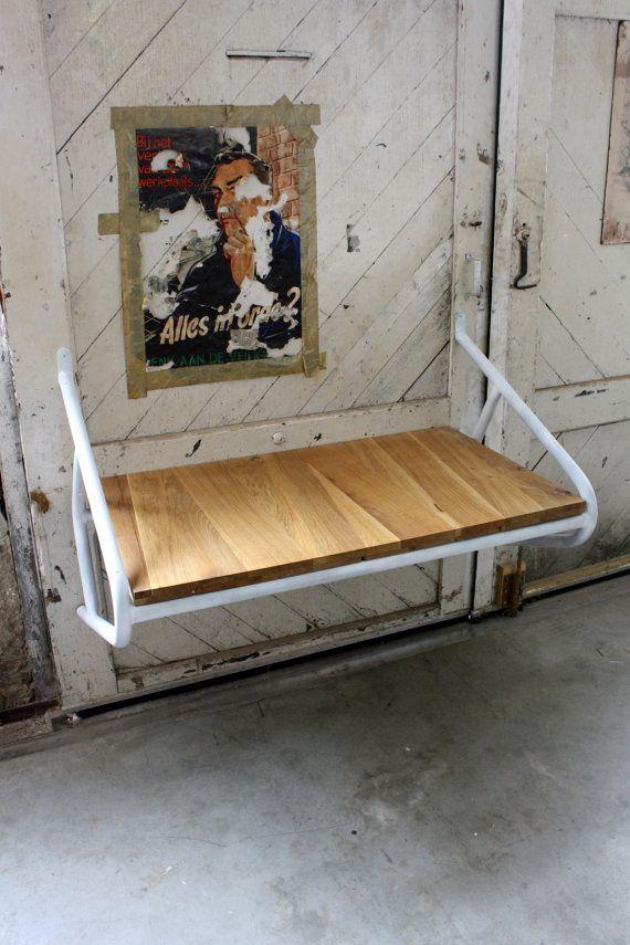 HOUTEN tafel/bureau handgemaakt hergebruikt hout door JorRainbow, €375.00