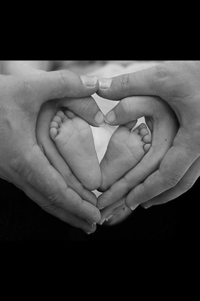 Baby pics, cute idea! I want one... Just like this but with the four of us!!