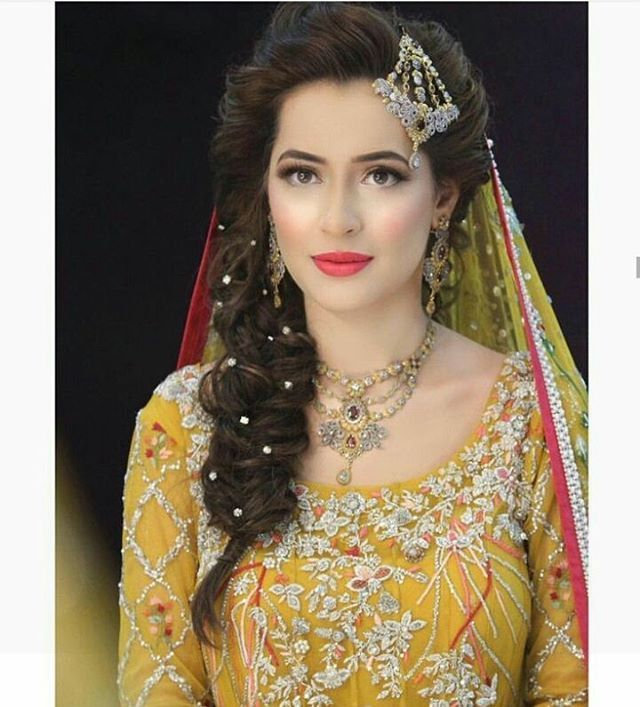 #bride#bridalfashion#stylist#asianbride#asianwedding#photoshoot#photography#style#model#inspiration#india#jwellery#pakistanibride#follow#classy_bridalmakeover http://gelinshop.com/ipost/1522311781128976733/?code=BUgVn_Xlbld