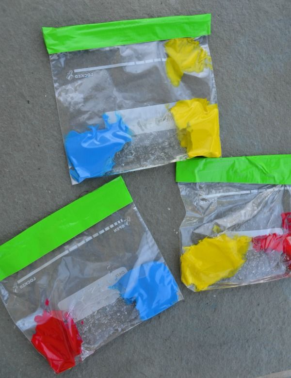 MESS FREE color mixing - this is so great for preschoolers!