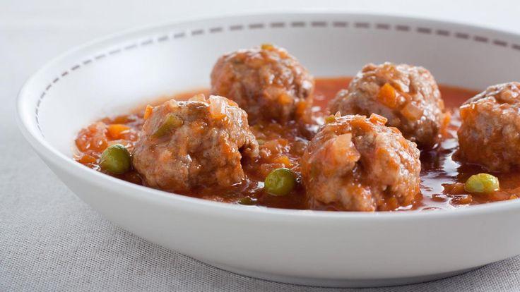 Pork meatballs with lentil & pea sauce