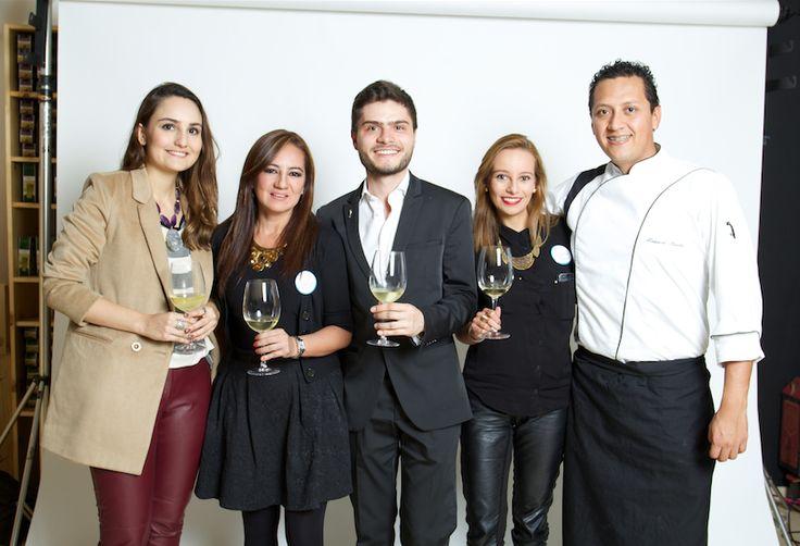 Parte de nuestro equipo Vinos del Río en Bogotá.