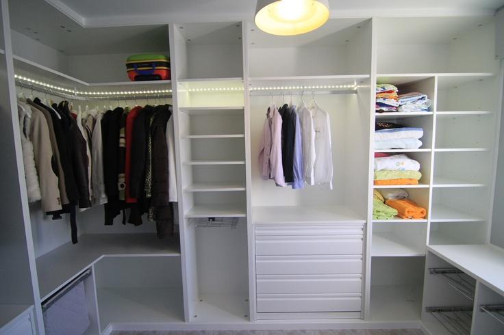 Vestidor blanco en l con cajones de extracci n total - Iluminacion interior armarios ...