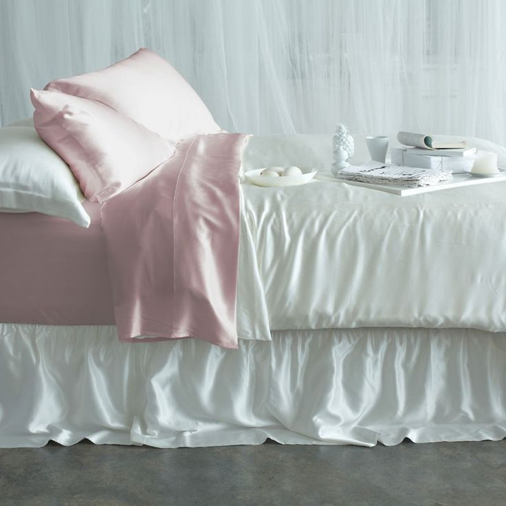 Silk Bedding Sets - Soft Pink. Our luxury bedding collections are hand crafted using quality long strand mulberry silk for a truly luxurious feel. | www.manitosilk.com