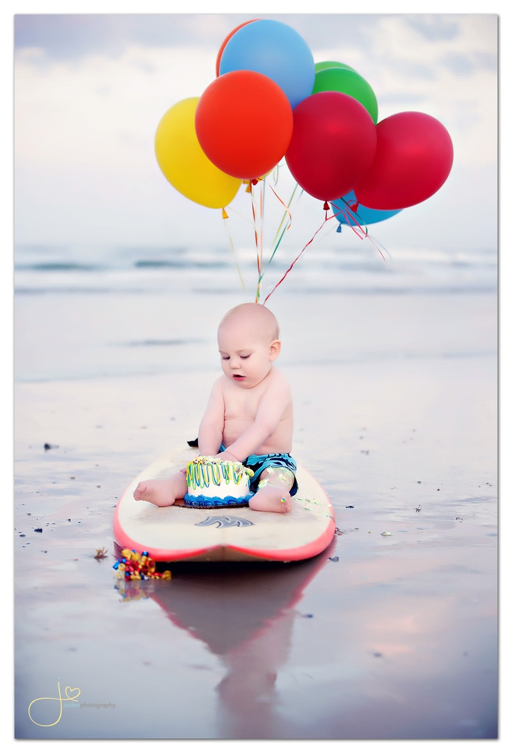 Adorable!  But I'm thinking Alec would for sure end up eating sand.