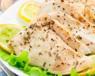 Poulet au cumin en papillote : http://www.fourchette-et-bikini.fr/recettes/recettes-minceur/poulet-au-cumin-en-papillote.html