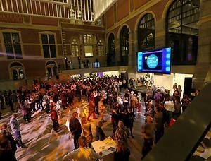 Op 18 oktober 2014 organiseert het Rijksmuseum voor de derde keer de Nacht van de Geschiedenis in het Rijksmuseum met het thema Vriend & Vijand. De Nacht van de Geschiedenis is dit jaar hét historische event om oude vijandschappen bij te leggen en nieuwe vriendschappen te sluiten. Ben jij er ook bij?