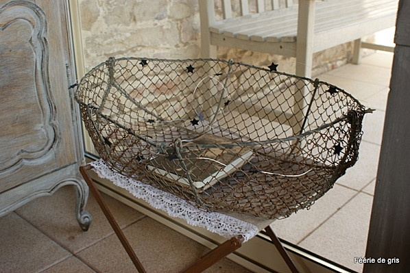 60 best images about baskets on pinterest vintage for Fish wire basket