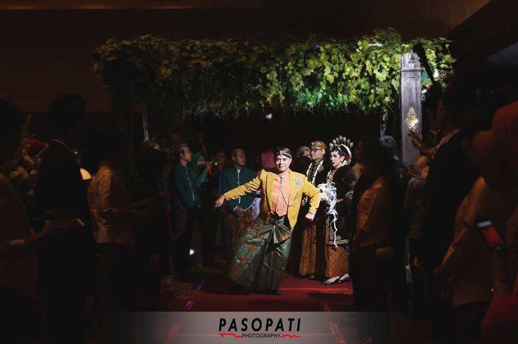 Traditional javas wedding