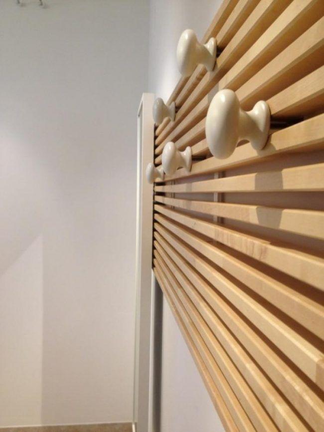 ikea mandal bett kopfteil umbauen wandgarderobe holz latten montage diy beauty pinterest. Black Bedroom Furniture Sets. Home Design Ideas
