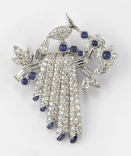 A DIAMOND AND SAPPHIRE BROOCH, SIGNED TIFFANY & CO.