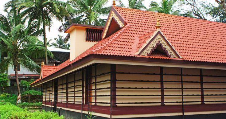 Como encaixar telhas onduladas de PVC. Uma telha ondulada de PVC é um material para cobertura de telhados encontrado em muitas cores ou transparente. Com espessuras e resistências diferentes, ele é adequado para uma série de usos, desde telhados de garagem até estufas. Exigindo pouca manutenção e sendo relativamente fácil de instalar, um telhado com telhas de PVC onduladas bem ...
