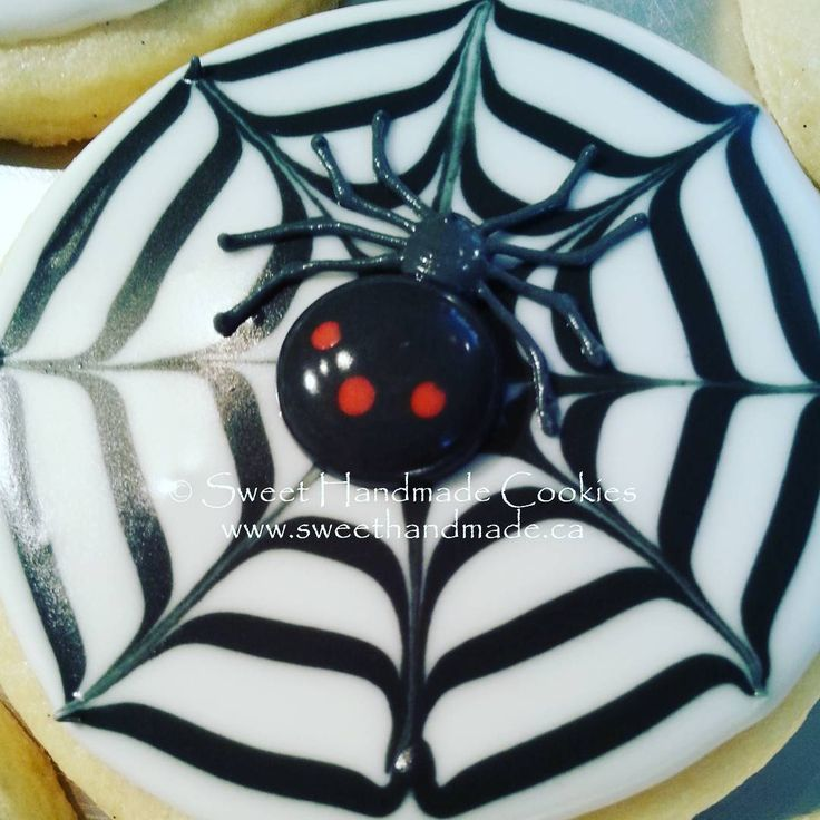 Halloween is around the corner!  It is my youngest daughter's favourite time of year. And I love these spider cookies!  #sweethandmadecookies #customcookies #decoratedcookies #designercookies #cookies #bradfordontariocookies #halloween #halloweencookies #spidercookies #spiderwebcookies
