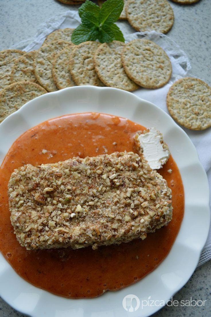 Queso crema con nuez en salsa de chabacano al chipotle www.pizcadesabor.com