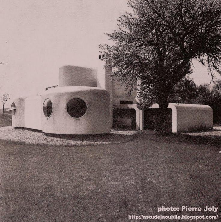 Janvry - Maison Fougère et Brauner - Centre d'art - 1969-1974  Auteurs du projet: Henri Mouette, Pierre Székely.