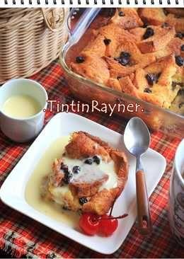 Bread Pudding with Vanilla Sauce yang sangat enakk