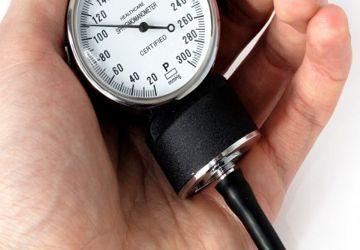 Soffri di pressione bassa? Ecco un bell'articolo utile sull'ipotensione.  Cos'è la pressione bassa, quali sono i sintomi, le cause, la cura, i rimedi naturali e alternativi: tutto quello che dovresti sapere sull'ipotensione.