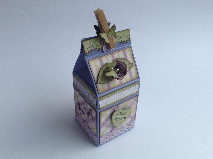 janin ustvarjalni vrt: Darilna škatlica / Milk box