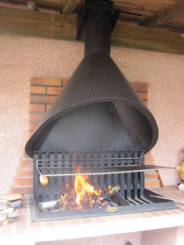 Une hotte pour le barbecue 2 2 chemin e barbecue - Peinture pour hotte de cheminee ...