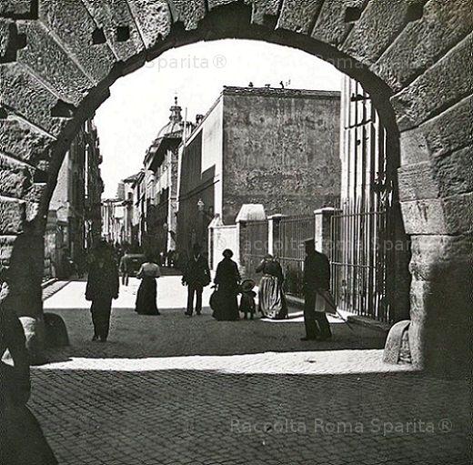 Arco dei Pantani e via Bonella (oggi scomparsa) Anno 1908