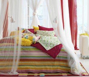 Les 25 meilleures id es de la cat gorie couvre lit rouge for Ikea plaid polaire blanc