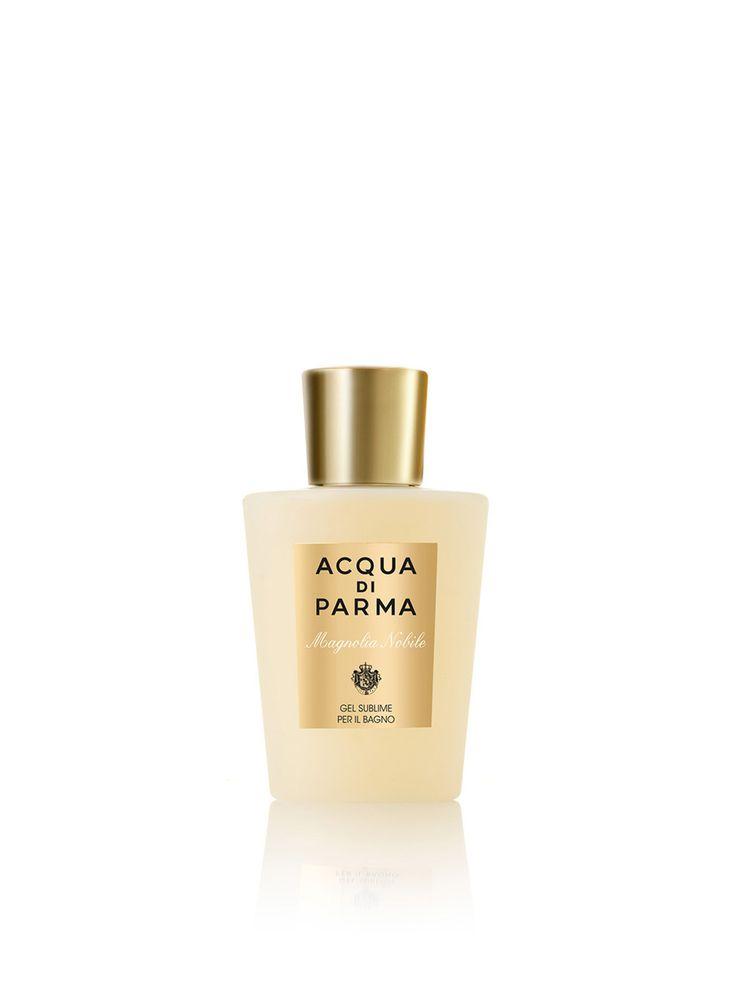 Acqua di Parma Magnolia Nobile Sublime Bath Gel 200ml  Acqua di Parma Magnolia Nobile Sublime Bath Gel. De oevers van het Comomeer zijn bekleed door elegante villa's met prachtige tuinen. Een mix van bedwelmende parfums en de stralende nobele geur van magnolia zo perfect thuis in deze prachtige tuinen. Met fluweelzachte bloemblaadjes symboliseert de magnolia een lichtgevende en aristocratische vrouwelijkheid. Een uitdrukking van sensualiteit tegelijk krachtig en delicaat zoals deze parfum…