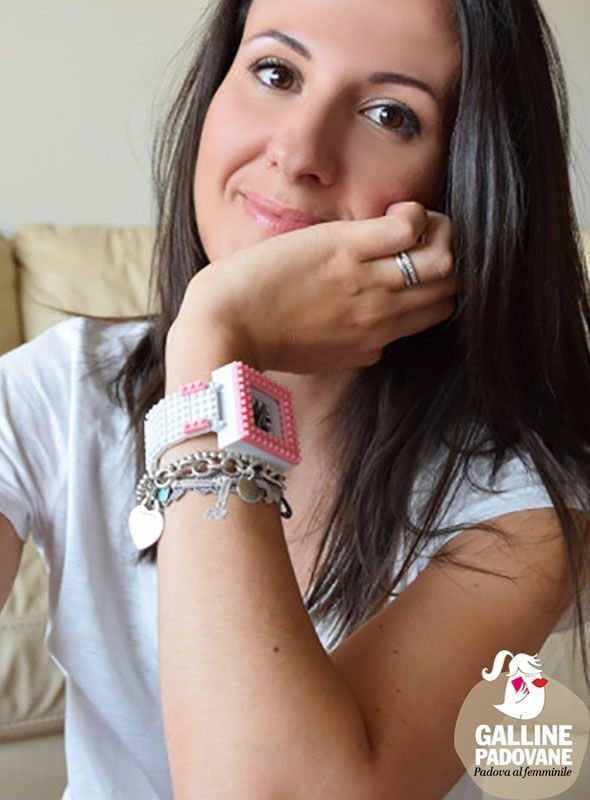 "Cristina and her #Nanoblock Watch on ""Galline Padovane""! http://www.gallinepadovane.it/2015/09/21/nanoblock-watch/"