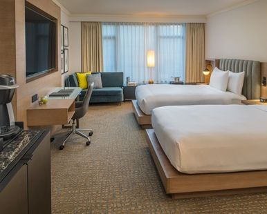 Hilton Portland & Executive Tower Hotel, OR - Exec Double Bed Guest Room | OR 97204