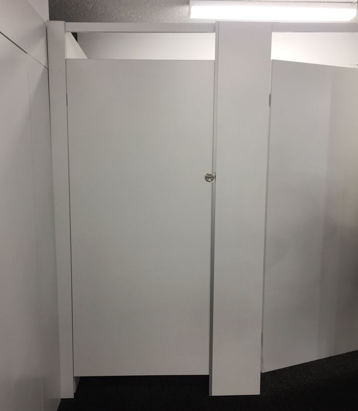 #sfsi #install #chefjohnson #clubchef #surryhills #MAXe #wallmouted #freestanding #workshop #custom #white #changingroom