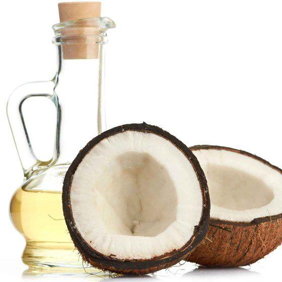 L'olio di cocco si scopre essere miracoloso e i suoi usi sono molto di più di quello che potete immaginare. Va a trattare quelli che sono i problemi