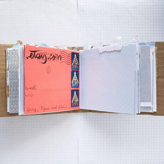 Geïnspireerd door mijn liefde voor de kunst van de mail, patroon enveloppen, boeken maken, en recycling.  Elke pagina is een voormalige envelop. Sommige paginas hebben kunststof ramen, sommige hebben datums etc. afgedrukt op. De cover is gemaakt van golfkarton. Die allemaal heeft meegemaakt van de postal service, zo verwachten sommige slijtage.  Maar hier is het echt spannend deel.  Als u dit boek te kopen, zal het worden verzonden zonder verpakking. Uw naam en adres zullen worden…
