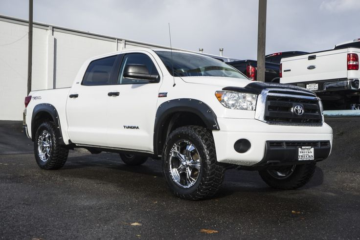 25 best ideas about toyota tundra for sale on pinterest toyota tundra toyota tundra 4x4 and. Black Bedroom Furniture Sets. Home Design Ideas