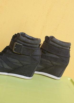 Kup mój przedmiot na #vintedpl http://www.vinted.pl/damskie-obuwie/obuwie-sportowe/10275838-sneakersy-koturn-39