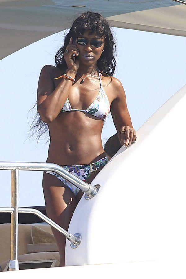 Naomi Campbell luce preciosa en bikini - Yahoo