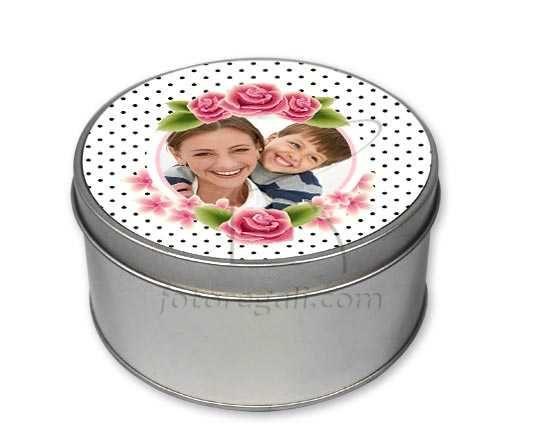 Un strepitosa scatola tonda con grafica floreale per la mamma