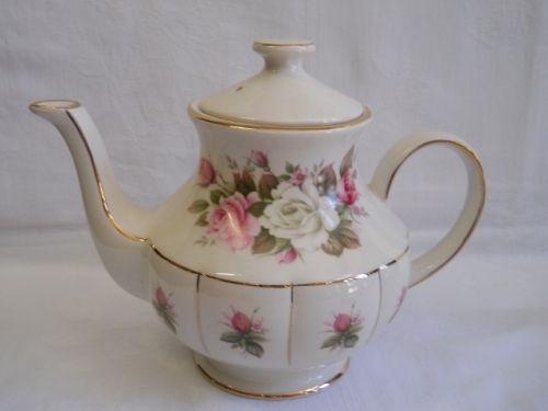 English Porcelain - Arthur Wood - Tea Pot for sale in Port Elizabeth (ID:232901769)