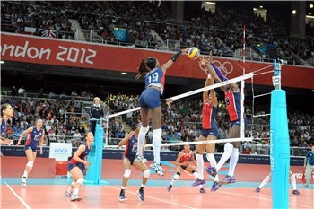 With 19 points Destinee Hooker paced Team USA to a 3-0 win over Dominican Republic in the 1/4 finals of the Olympic tournament