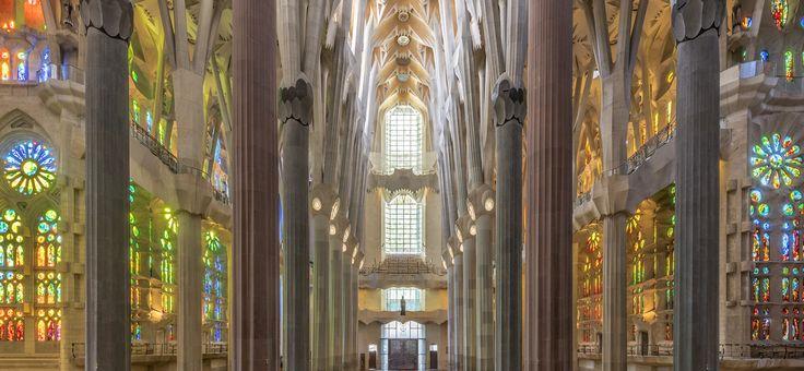 Web oficial de la Sagrada Família. Temple emblemàtic d'Antoni Gaudí. Proveïdors oficials d'entrades. Tiquets sense comissions