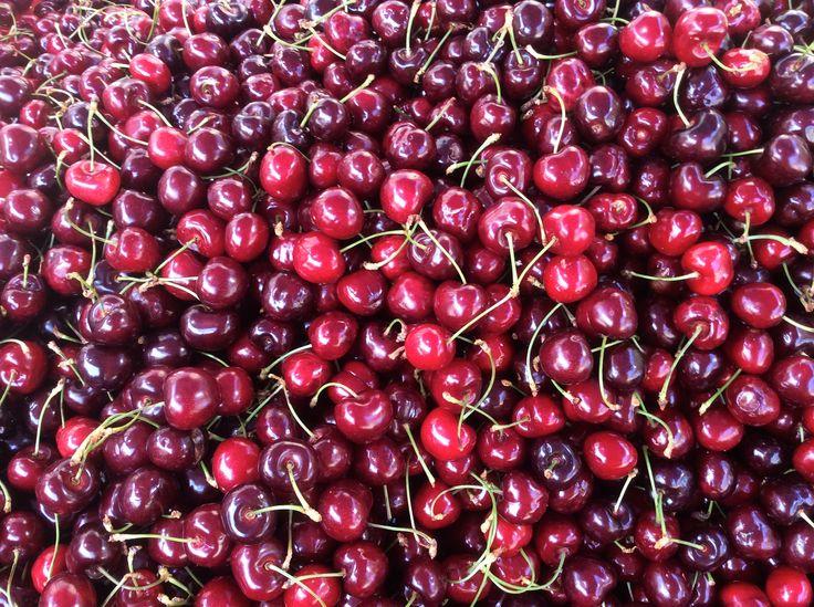 ciliegie al mercato generale