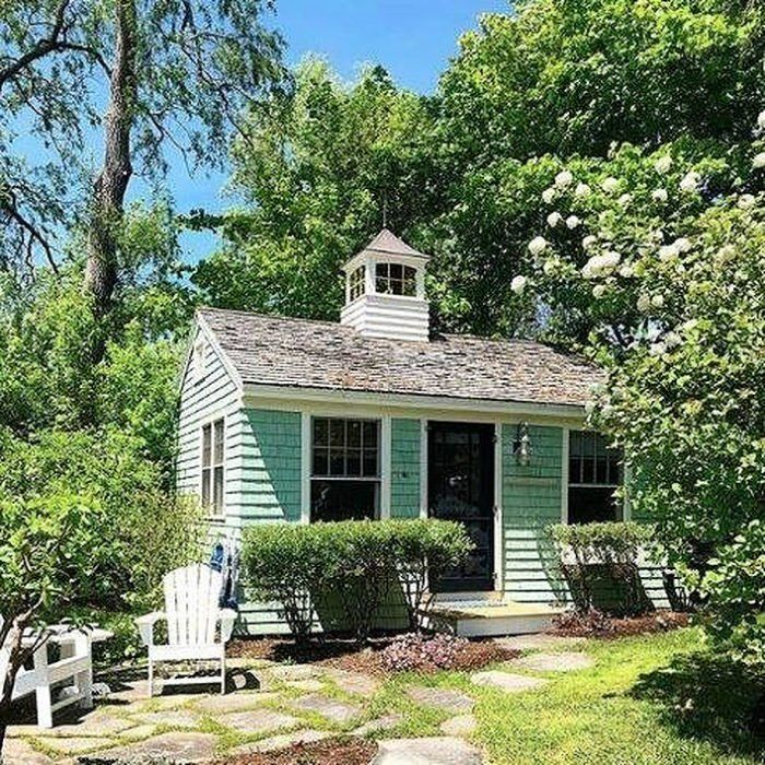These Coastal Cottages In Maine Will Make Your Summer Oh So Special Coastal Cottage Cottage Little Cottages
