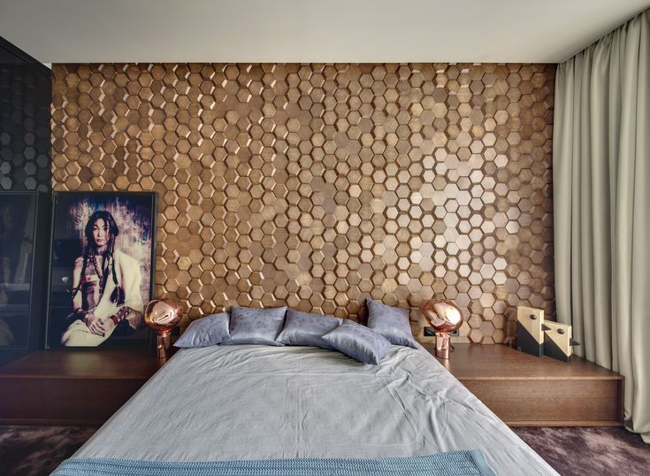 Wooden decor MOSAIC HONEY   reproduce the texture of the honeycombs.