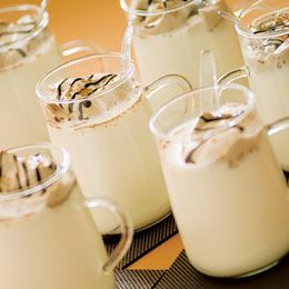 Hot Vanilla drinks 1/2 cup of whipping cream 1 tablespoon of chocolate