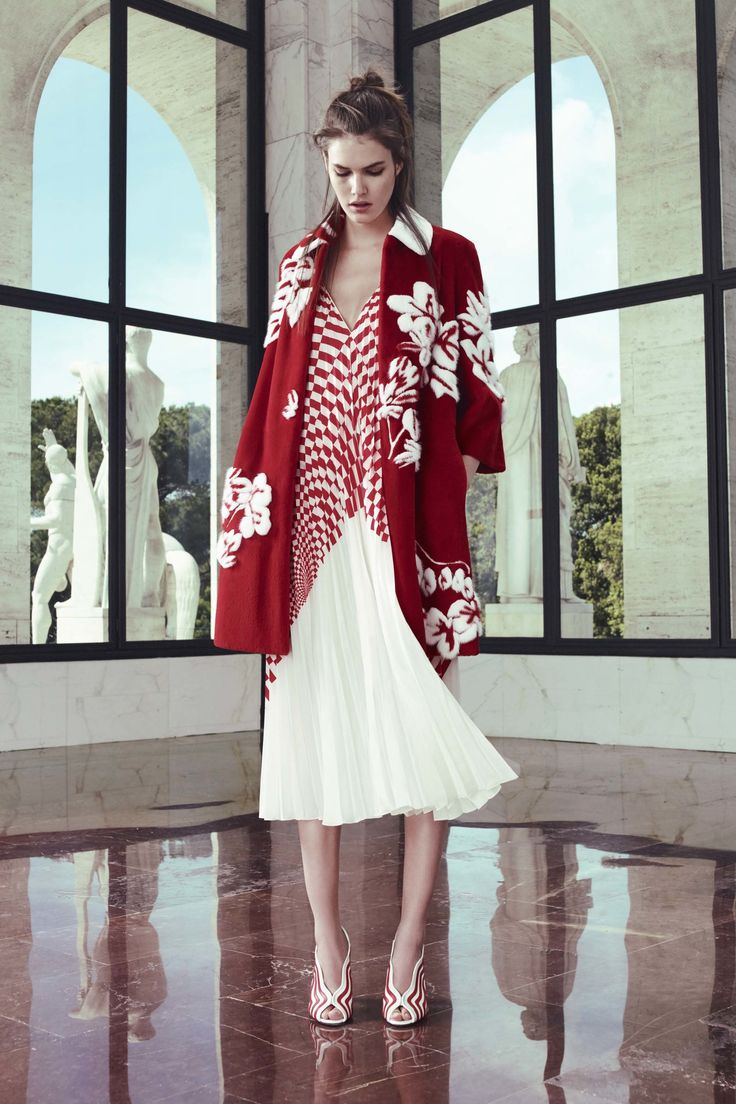 See the complete Fendi Resort 2017 collection. Want us to pay for your shopping and your travel? Also you have to do is refer us to someone looking to make a hire. contact me at carlos@recruitingforgood.com