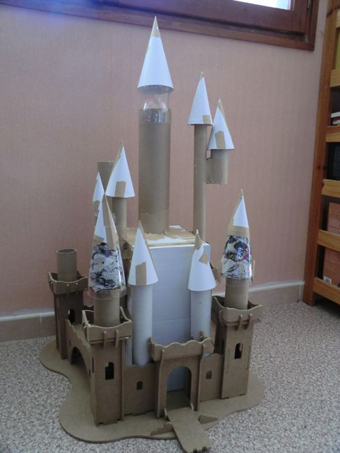 17 Meilleures Id Es Propos De Chateau Boite En Carton