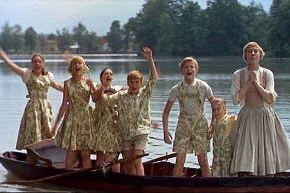 Family-Curtain Clothes VON TRAPP CURTAIN LEDERHOSEN /& SHIRT SET Sound of Music