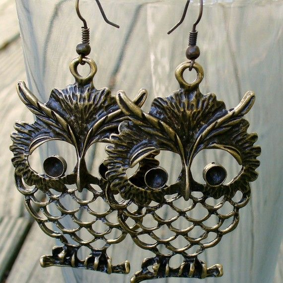Wise Owl Earrings! Check out other creations like these from UmbrellaLaboratory on Etsy!